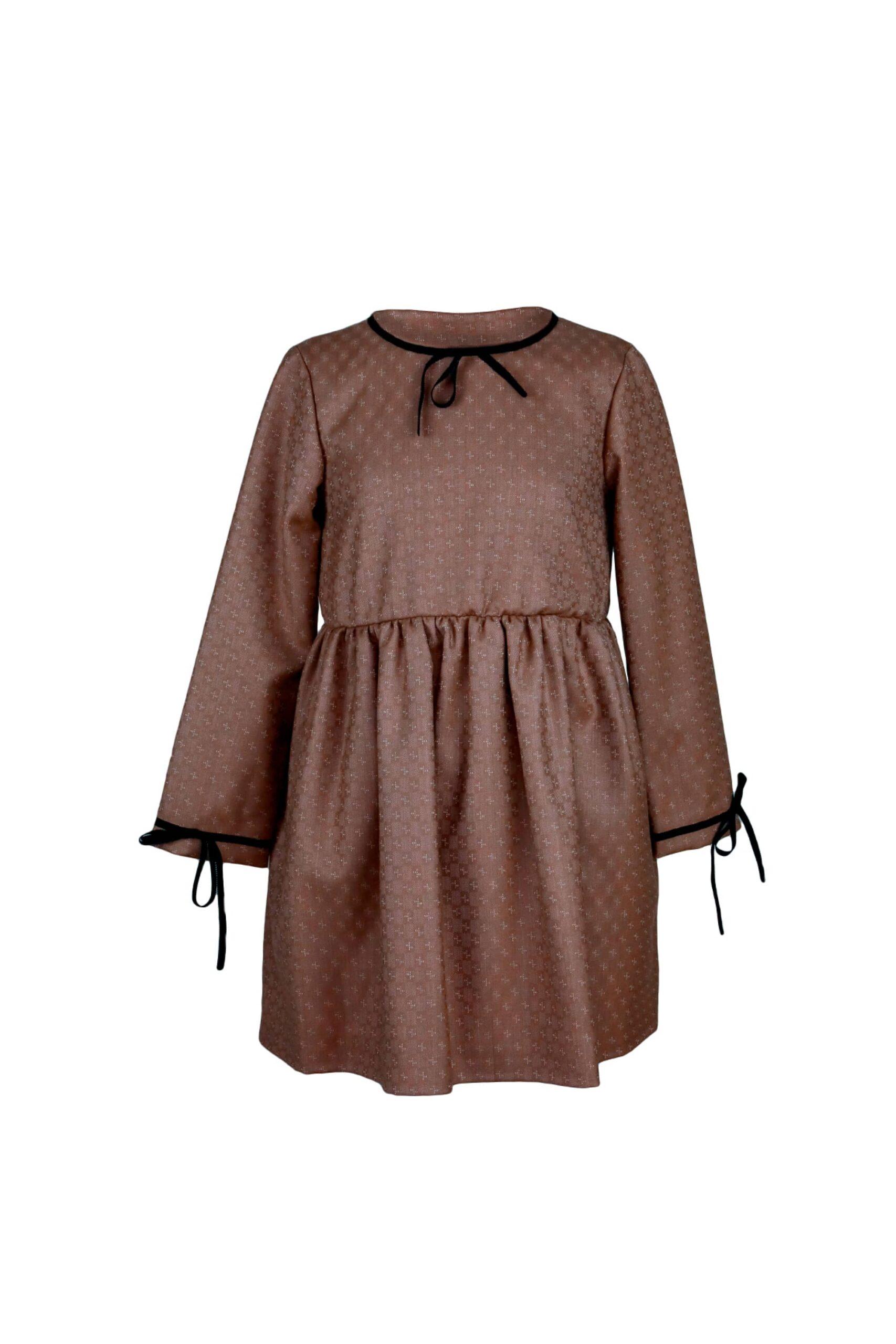платье для девочки с бантиками и застежкой на спинке